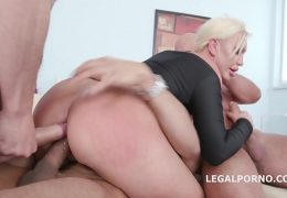 Big butt blonde super slut Skylar Extreme has her ass fisted and fucked DAP